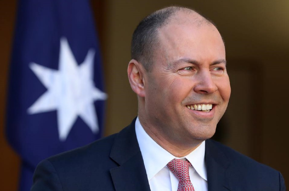 Government review of payments finds cash is critical to economy